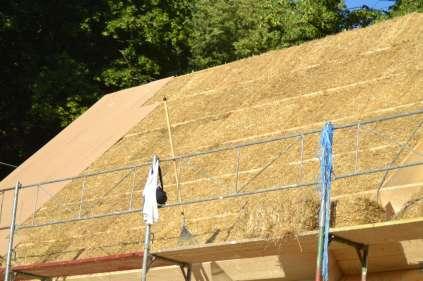 strawbalehouse-ernstbrunn-roof-infill-41