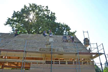 strawbalehouse-ernstbrunn-roof-infill-60