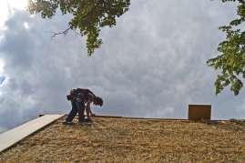 strawbalehouse-ernstbrunn-roof-infill-86