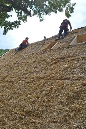strawbalehouse-ernstbrunn-roof-infill-91
