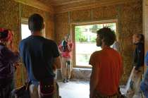 strawbalehouse-summerau-clayplaster-6