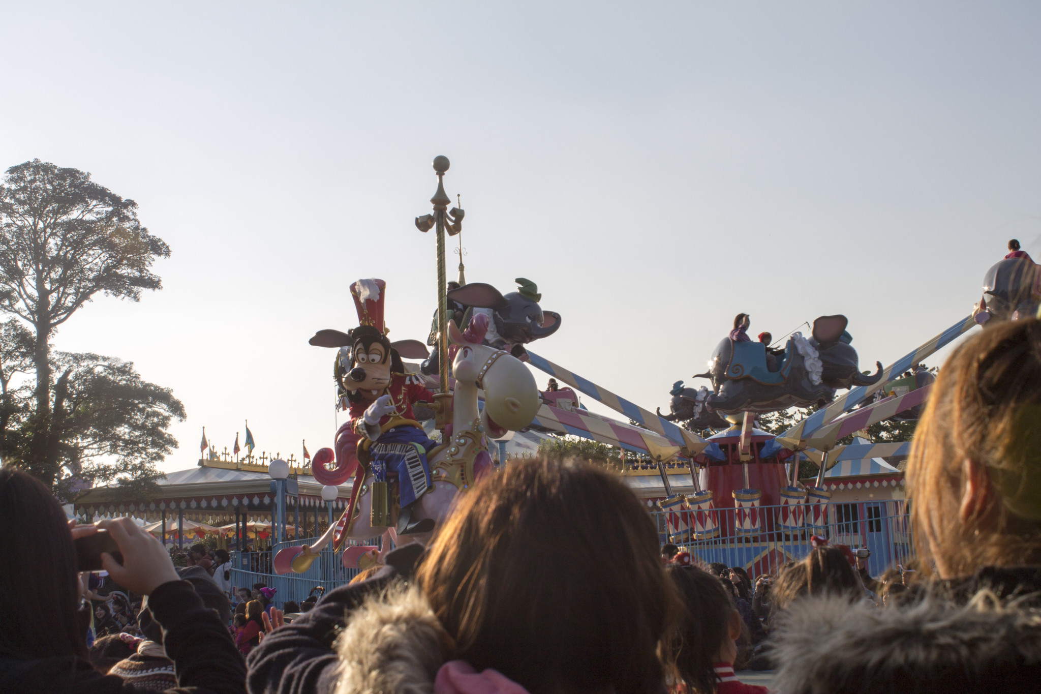 Day 11: Tokyo Disneyland - Strolling Adventures