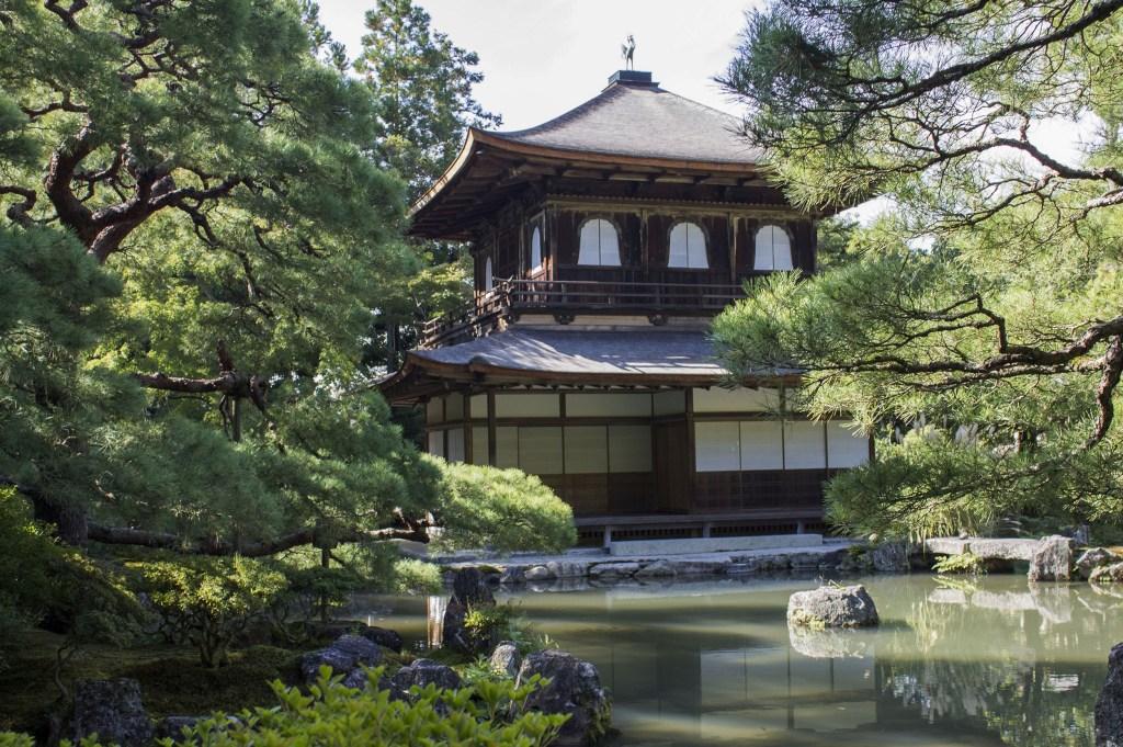 Walking from Kiyomizudera to Ginkakuji