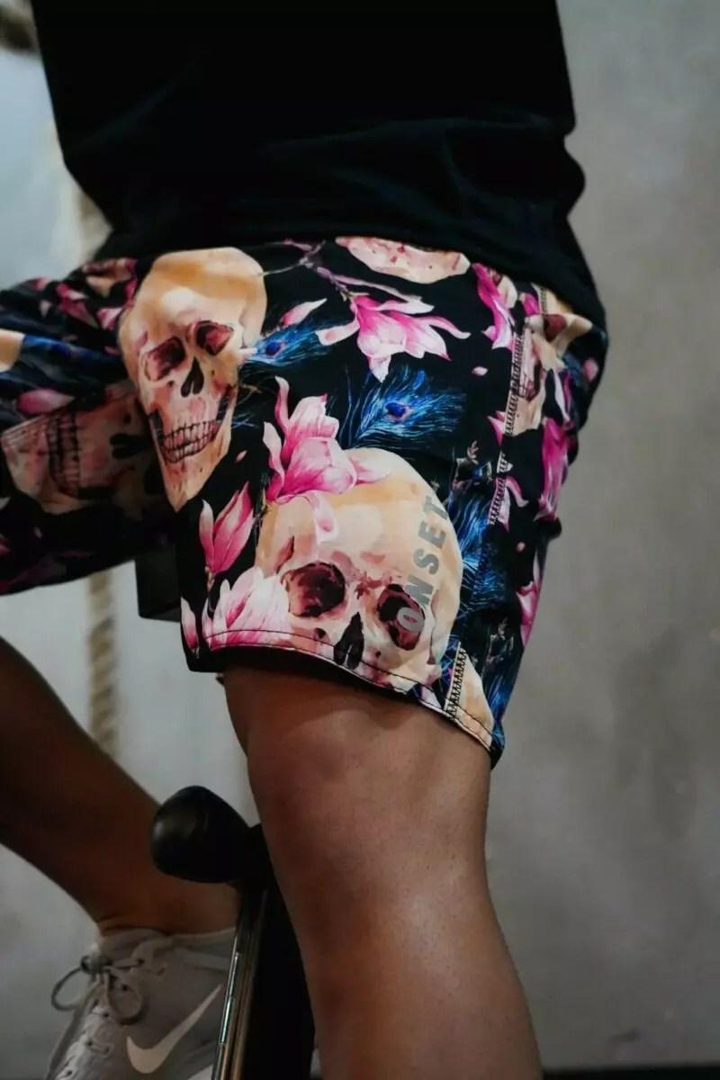 BERMUDA ONSET FITNESS CROSS - SKULL AND FLOWERS