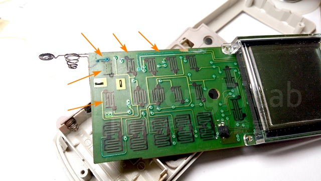 遭強鹼氣體腐蝕的電路板-正面