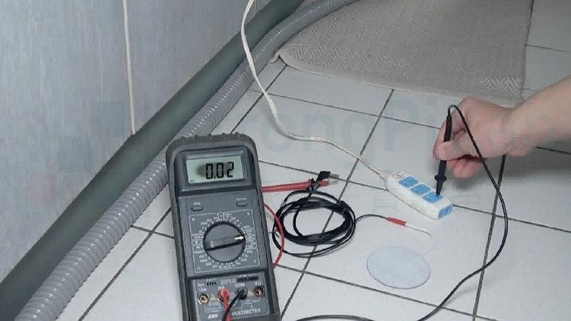在磁磚上觸碰110V的電流是0.02mA