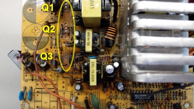 主電晶體附近的電路板成焦黃色