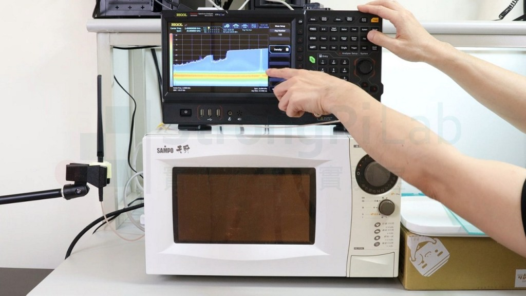 微波爐的實際工作頻率有偏差