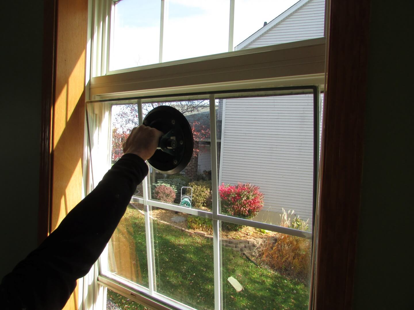 hight resolution of double hung window alarm contact