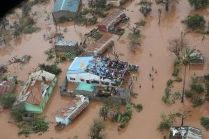 Hundreds killed as cyclone sweeps Mozambique, Malawi and Zimbabwe