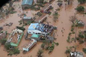 Hundreds killed as cyclone sweeps Mozambique, Malawi and Zimbabwe