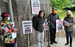Unemployed workers demand their rights