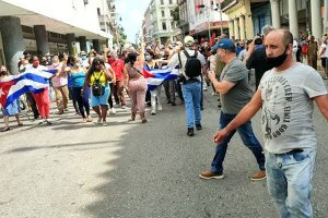 Cubans march in Havana in support of the government