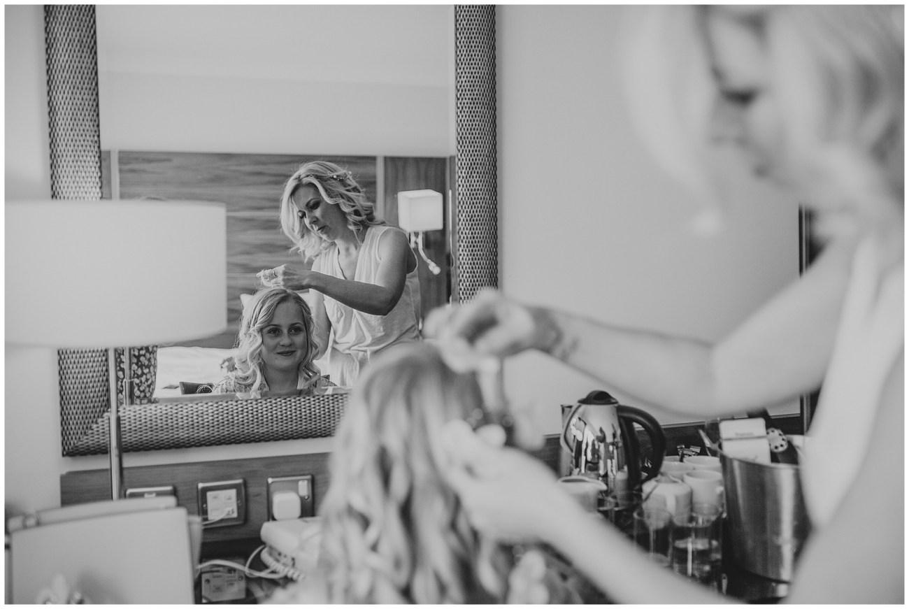 bridesmaid hairdresser