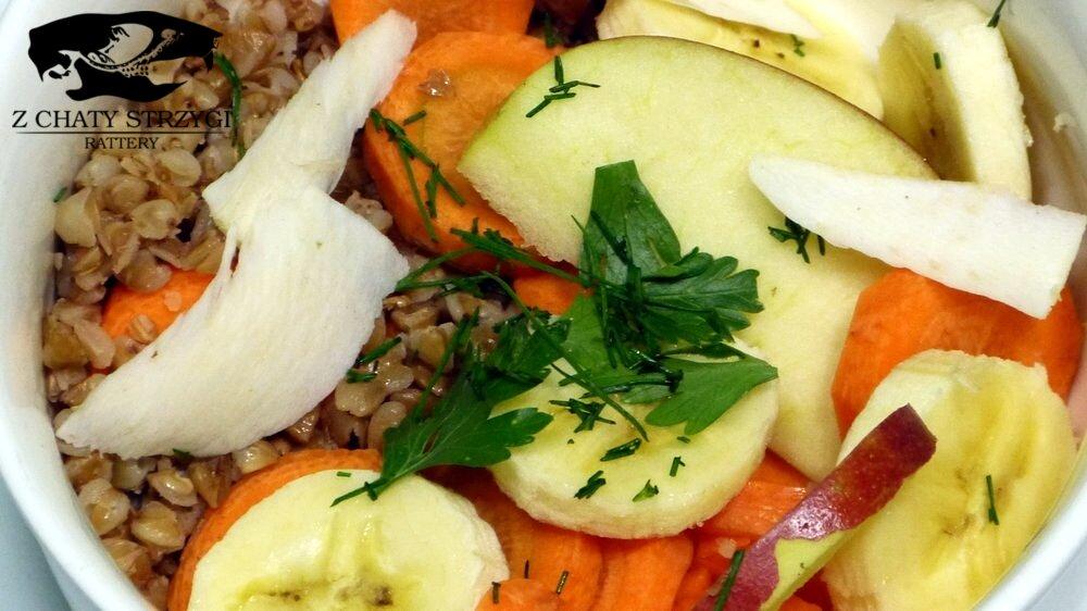 Miska warzyw, prawidłowe żywienie szczurów, co powinny jeśc szczury, karma dla szczurów