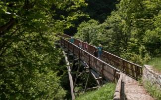 Sul ponte che unisce Scudellate a Erbonne.