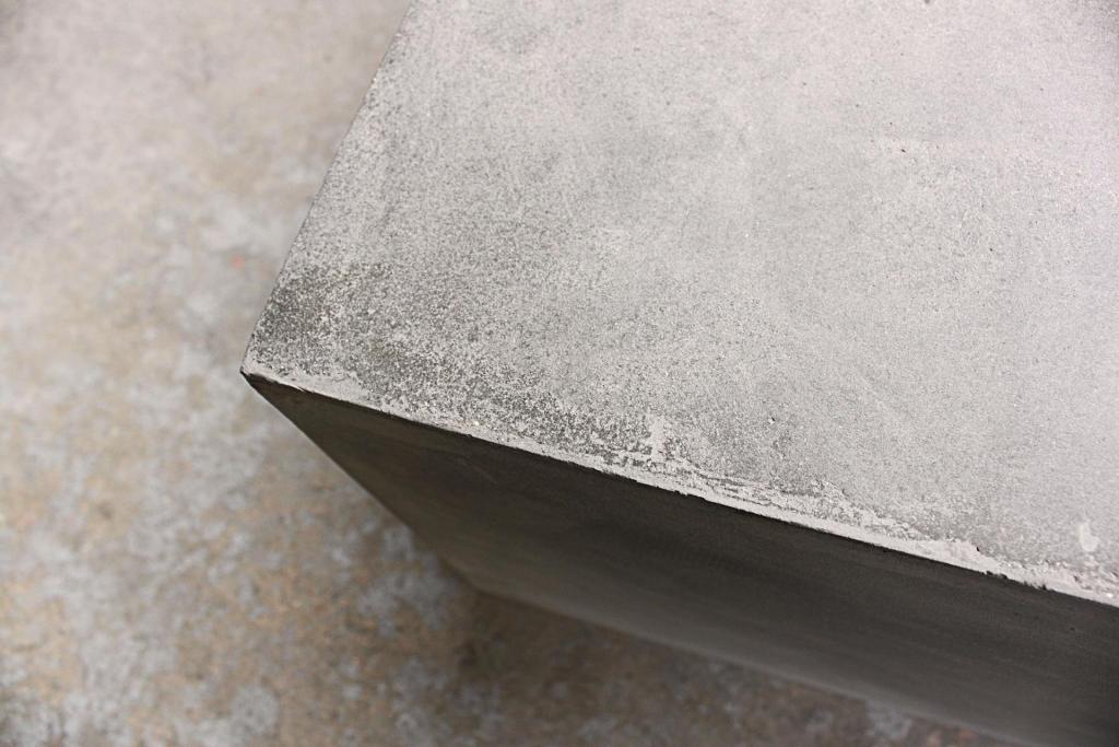 D-09010A_table-basse-beton-carree-design_07