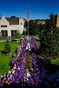 Welcome Tommies. (Photo by Mike Ekern '02)
