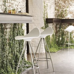 Revolving Chair For Kitchen Wing Covers Clearance Stool With Ergonomics By Stua
