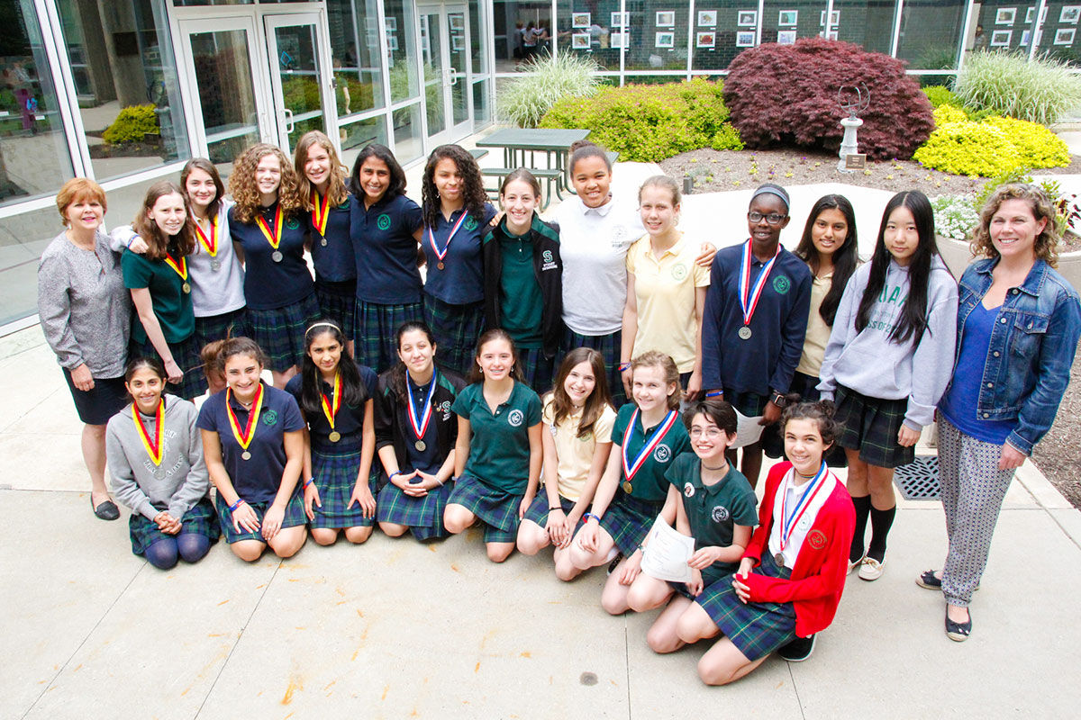Eighth Grade Spanish And French Students Earn National
