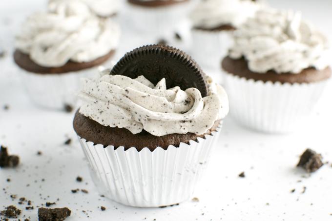 Oreo Cupcakes - stuckonsweet.com