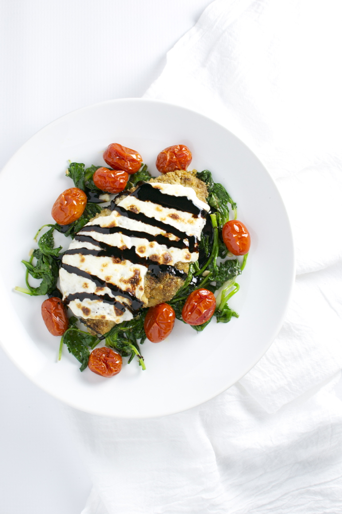 Pesto Chicken with Roasted Tomatoes and Spinach | stuckonsweet.com