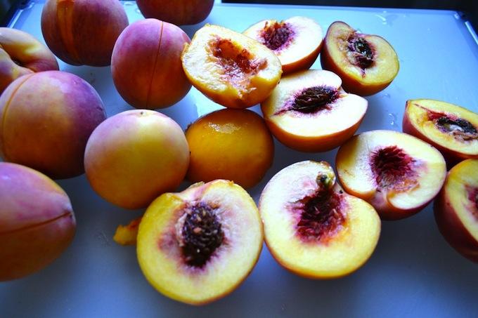 Peach Cobbler   stuckonsweet.com