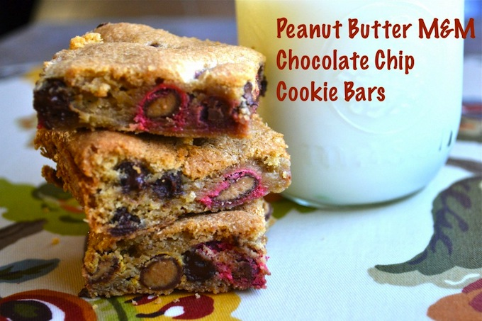 Peanut Butter M&M Chocolate Chip Cookie Bars | stuckonsweet.com