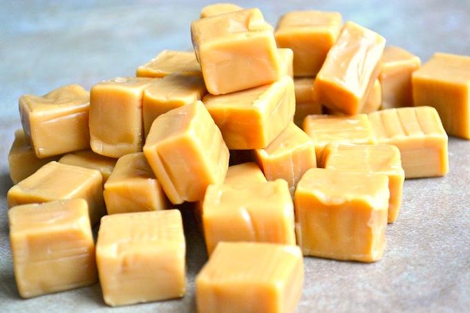 Caramel Brownies | stuckonsweet.com