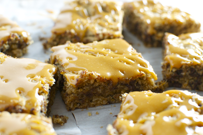 Chocolate Chip Oatmeal Blondies with Coconut and Caramel