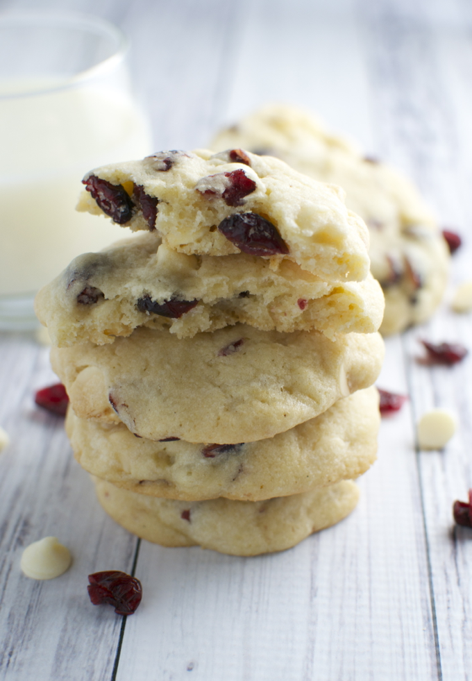 White Chocolate Almond Cranberry Cookies | stuckonsweet.com