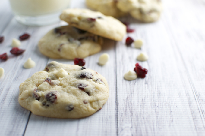 White Chocolate Almond Cranberry Cookies | stuckonsweet