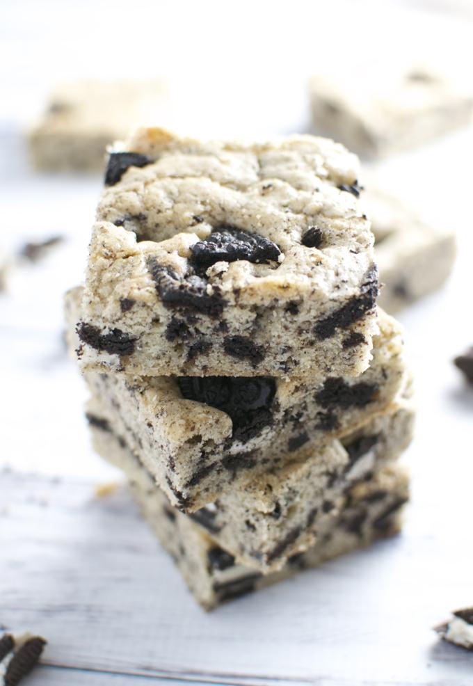 Oreo Cookie Bars | stuckonsweet.com