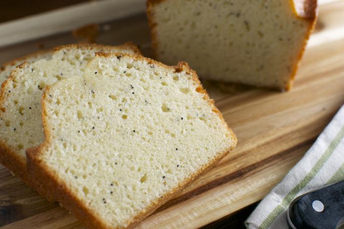 Poppy Seed Bread   stuckonsweet.com