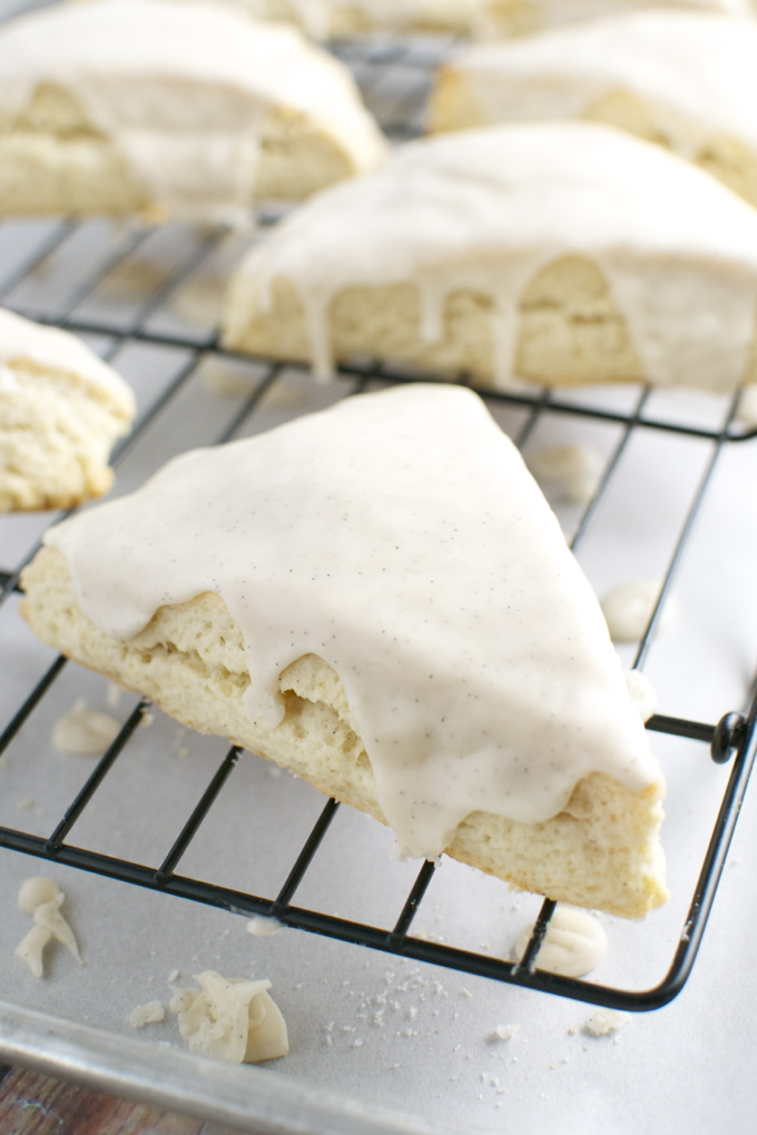 Vanill Scones | stuckonsweet.com