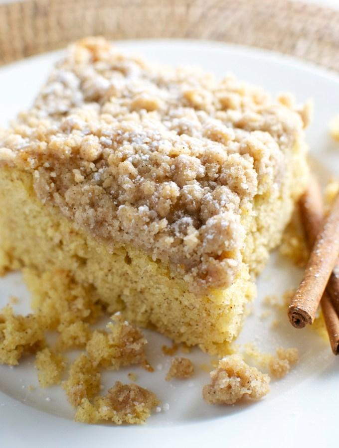 Cinnamon Crumb Cake | stuckonsweet.com
