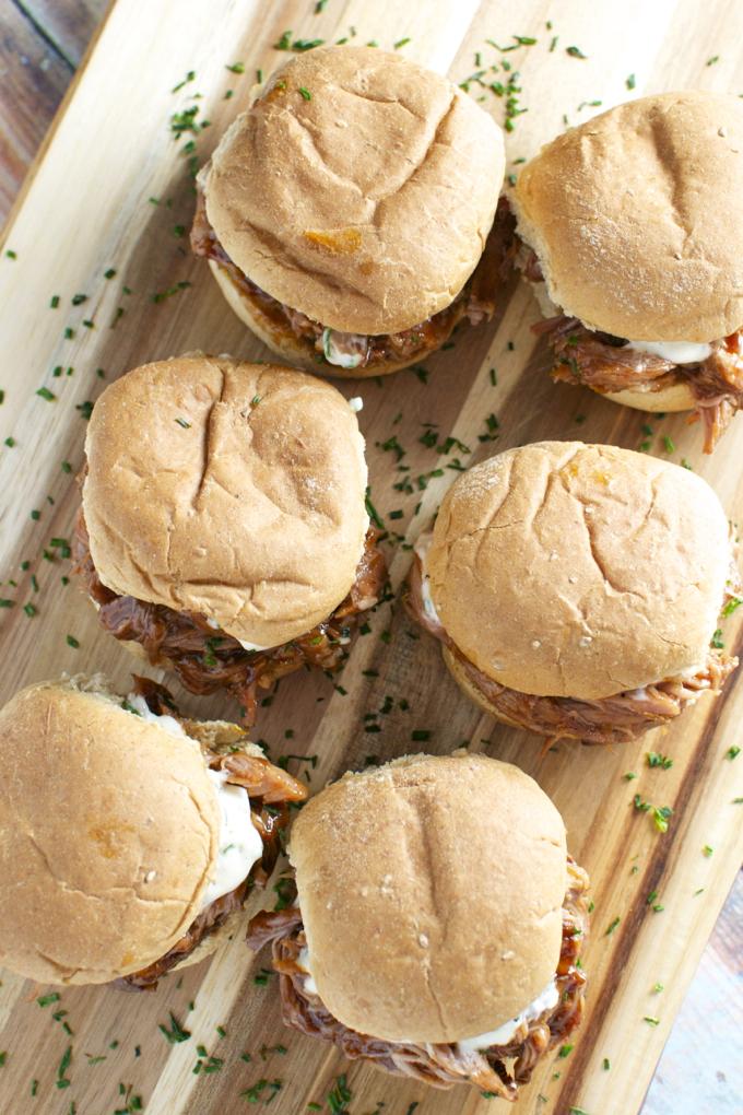 Barbecue Pork Sliders with Garlic Aioli | www.stuckonsweet.com