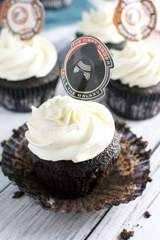 Gluten Free Chocolate Cupcakes | www.stuckonsweet.com