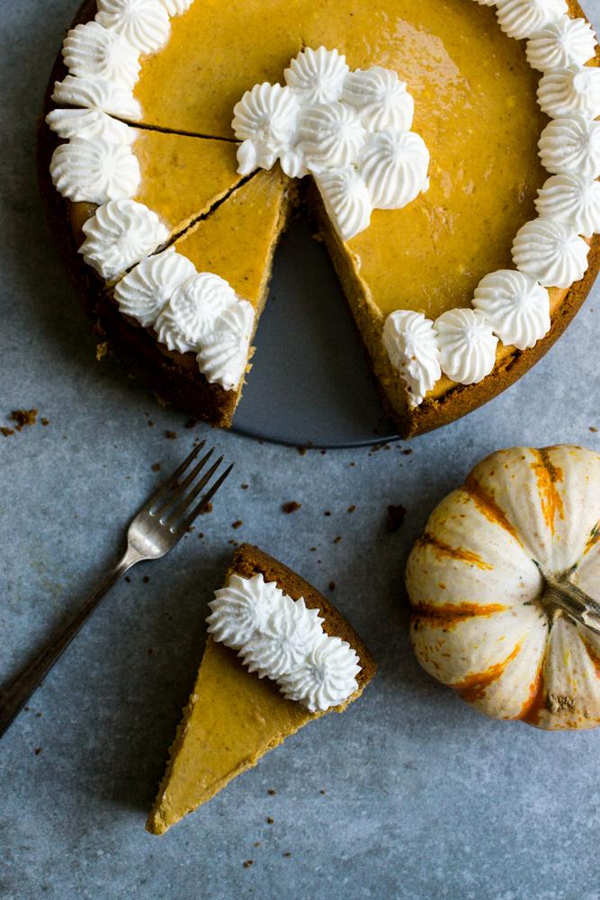 Pumpkin Cheesecake | www. stuckonsweet.com