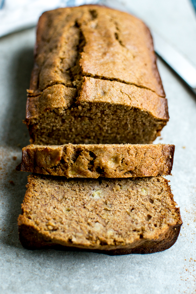 Healthy Banana Bread | www.stuckonsweet.com