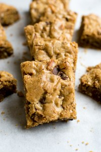 Chocolate Chip Pretzel Cookie Bars