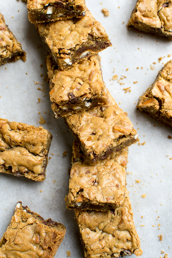 Chocolate Chip Pretzel Cookie Bars picture