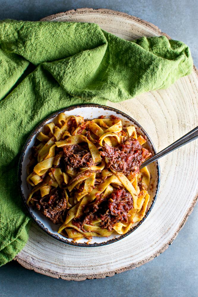 Slow Cooker Short Rib Pasta | www.stuckonsweet.com