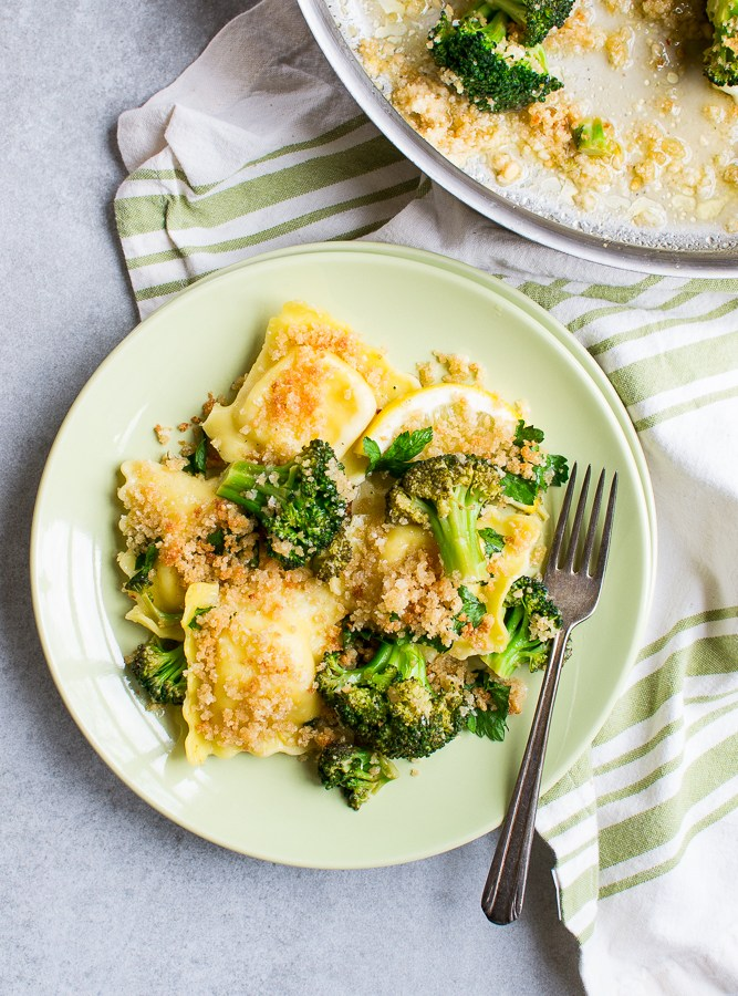 Lemon Garlic Ravioli and Broccoli Image