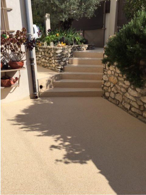 Terrasse et marches en granulats de marbre couleur Jaune - 30900 Nîmes