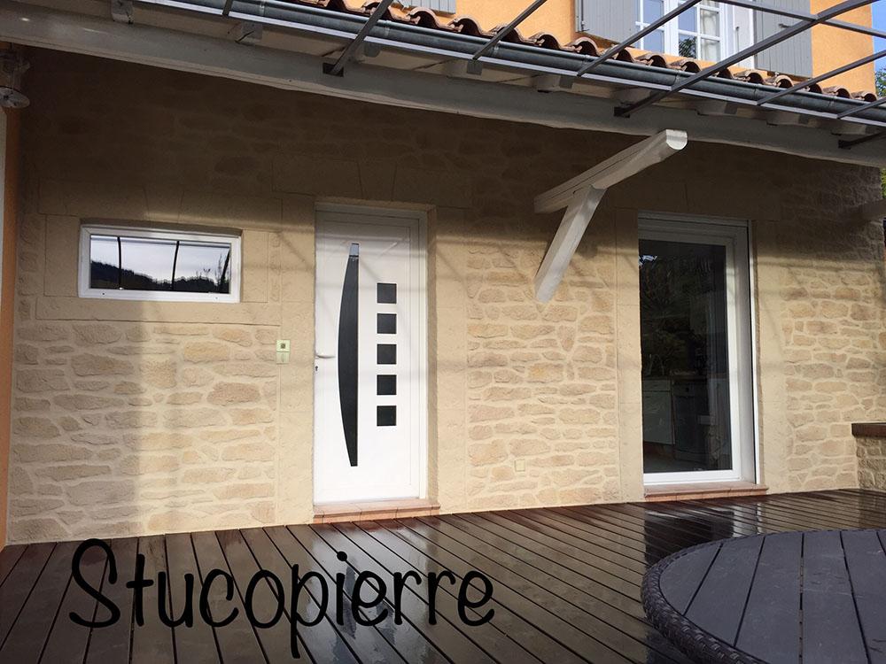 renovation façade enduit effet pierre