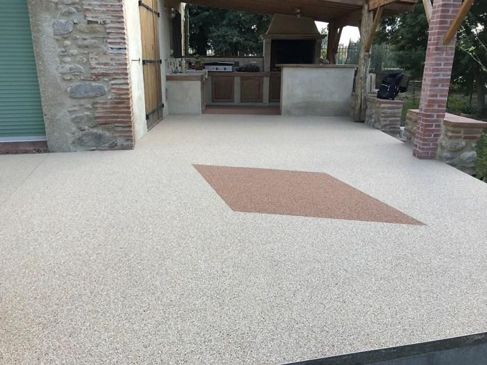 Terrasse en granulats de marbre - Moquette de pierre - Tapis de pierre - granulés - résine