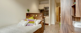 21-fresh-student-living-london-central-studios-ealing-03-studio-photo-11-990x411.jpg