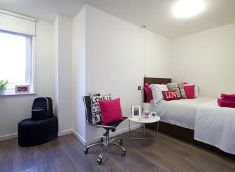 307_highburysuperioren-suite.jpg