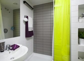 373_city-bathroom-2.jpg